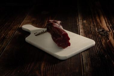 Schweins-Filet Schweinetrockenfleisch Trockenfleisch Fleischtrockenerei Sialm Segnas Disentis Graubünden Tradition Spezialität