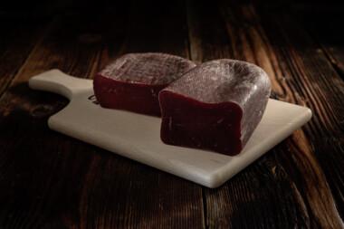 Bündnerfleisch Rindtrockenfleisch Trockenfleisch Rindfleisch Fleischtrockenerei Sialm Segnas Disentis Graubünden Tradition Spezialität