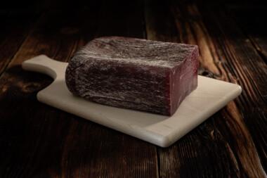Bündnerfleisch Eckstück Rindtrockenfleisch Trockenfleisch Rindfleisch Fleischtrockenerei Sialm Segnas Disentis Graubünden Tradition Spezialität