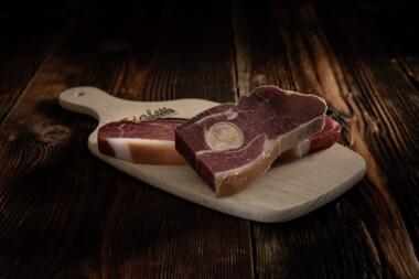 Beinschinken II Schweinetrockenfleisch Trockenfleisch Fleischtrockenerei Sialm Segnas Disentis Graubünden Tradition Spezialität