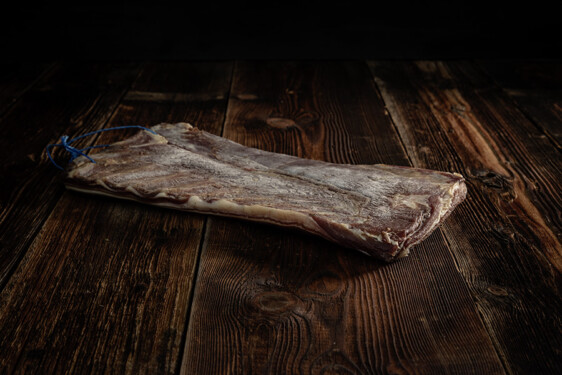Rohess-Speck Schweinetrockenfleisch Trockenfleisch Fleischtrockenerei Sialm Segnas Disentis Graubünden Tradition Spezialität
